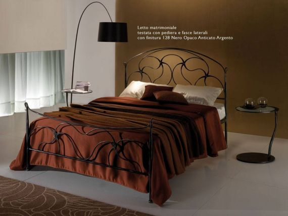 Wrought iron bed Debussy