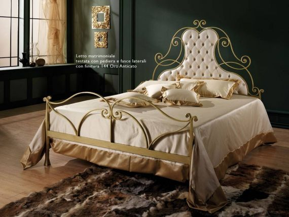 Wrought iron beds Thonet