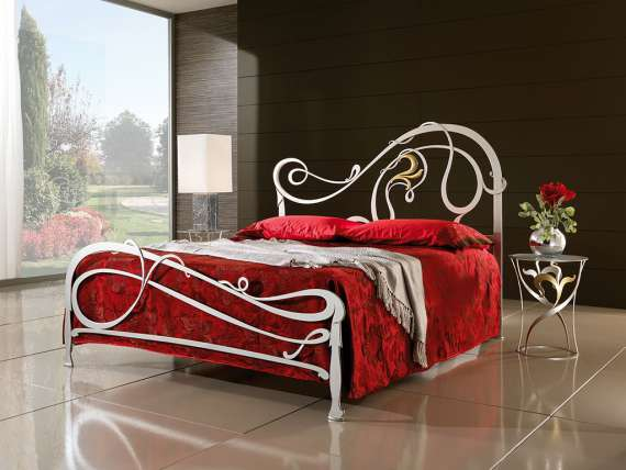 Wrought iron bed Giglio