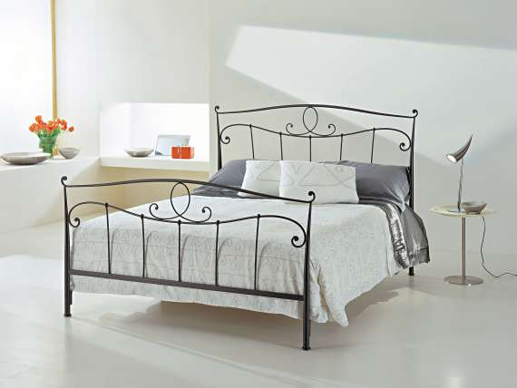 Turandot wrought iron bed