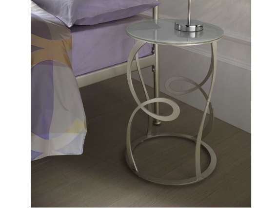 Eileen Gray small table in metal and glass