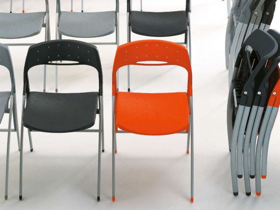 BIRBA folding chair in plastic with aluminium frame