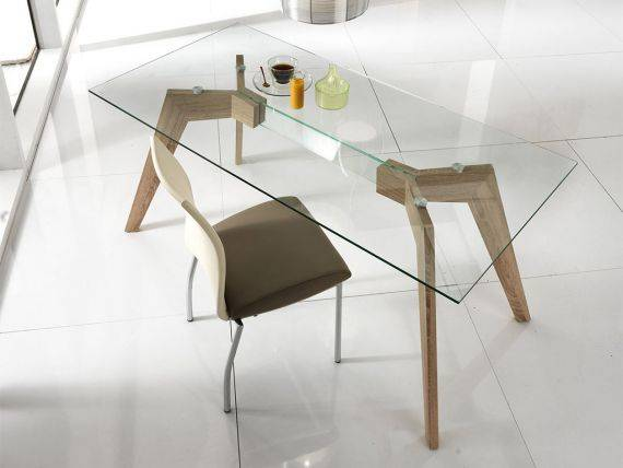 Dafne table in glass with wooden base