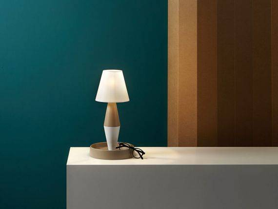 BOA table lamp with compartment
