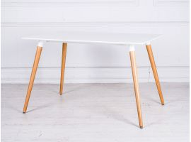 Wooden table and oak legs Islanda