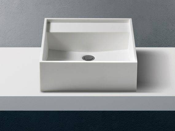 Countertop washbasin in Betacryl Solid Surface Quadrus