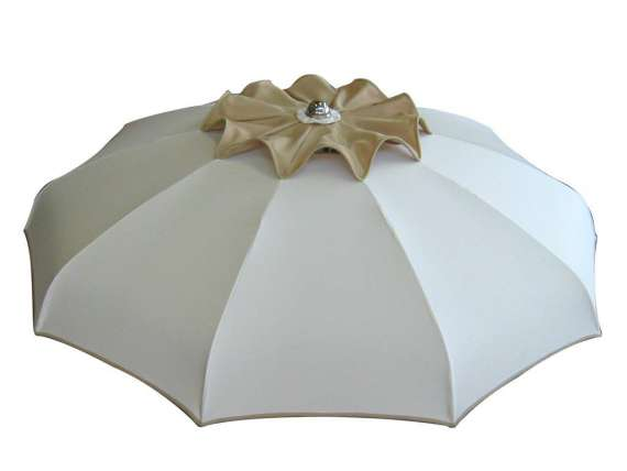 Windproof sun umbrella with curved ribs