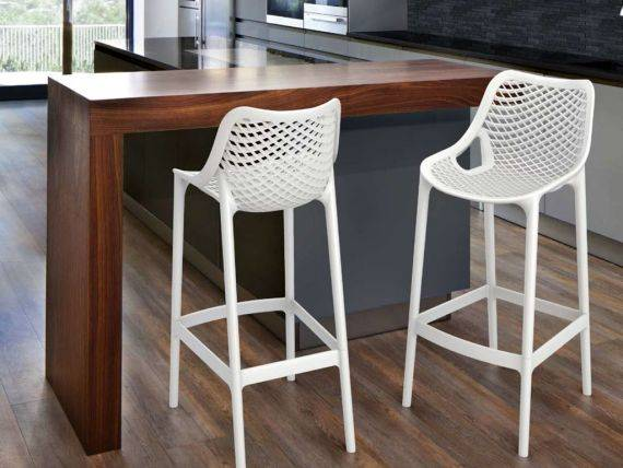 FLO plastic stool in polypropylene