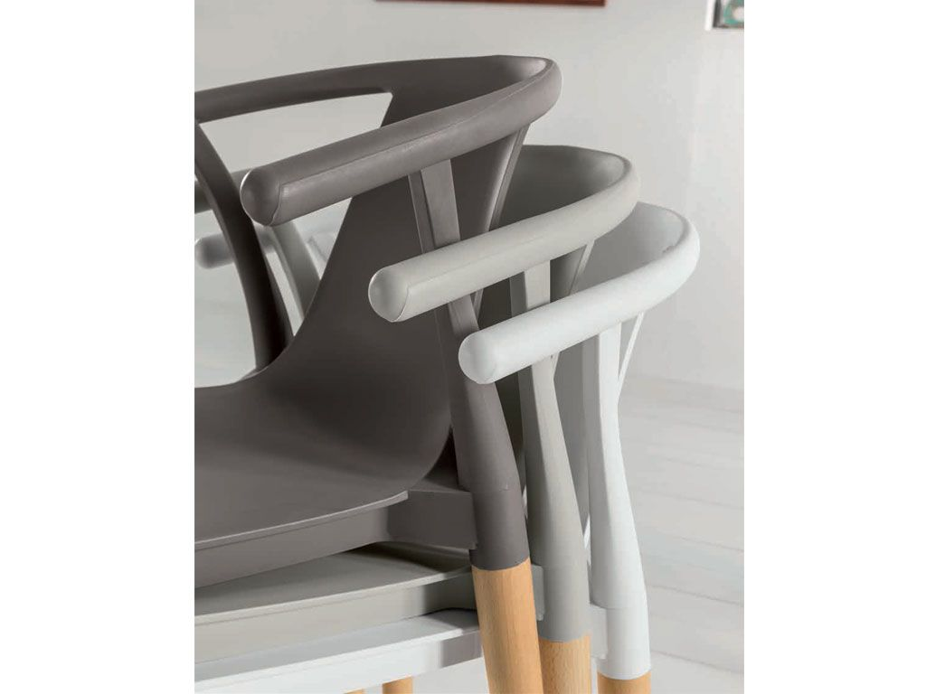 Chair In Plastic With Legs In Wood Greed