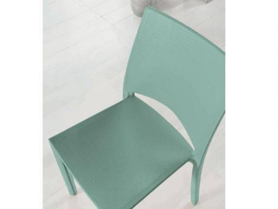 Chair in plastic crocodile effect Gator
