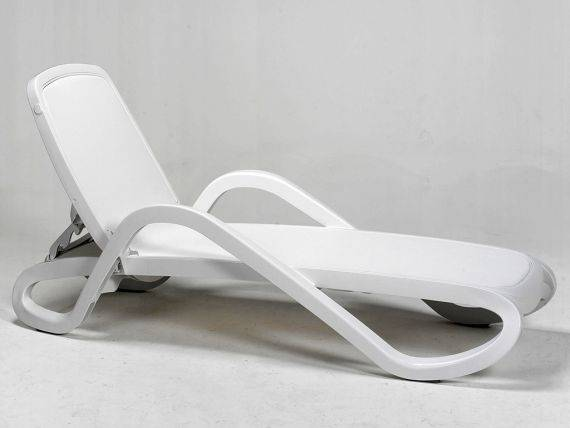 Sunbed WHITE with armrests Alfa