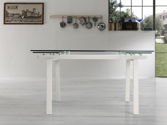 Extendible table in glass and metal Chat