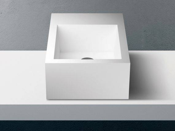 Lavabo carré en Solid Surface Betacryl Impluvium