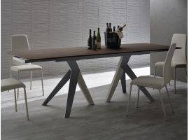Fly extending table in wood