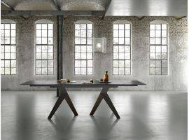 Fly extending table in glass