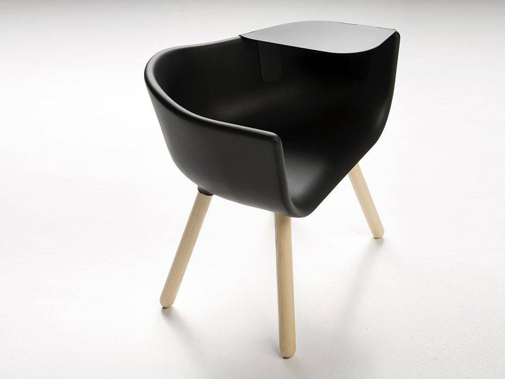 modern armchair of design tulip large