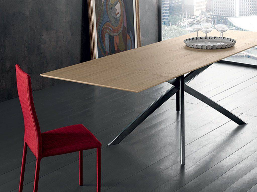 In Legno Wood Design extendible wood table twist