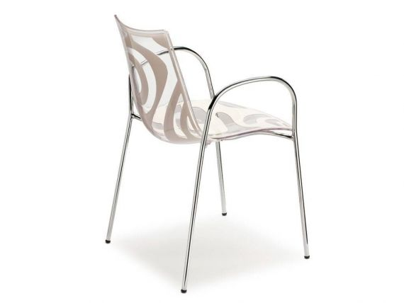 Colored chair with arms Wave