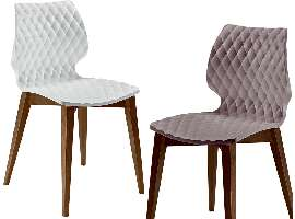 Design chair with wooden legs Uni 562