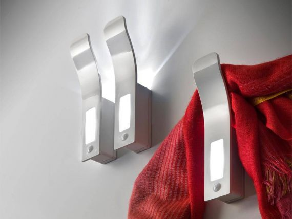 Hanger or handle with LED H2O