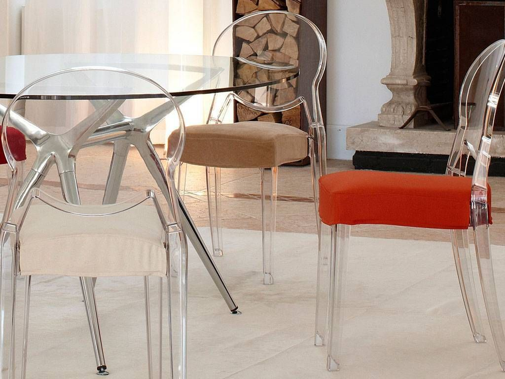 Igloo chair comfort sedia in policarbonato con cuscino for Sedie policarbonato nere