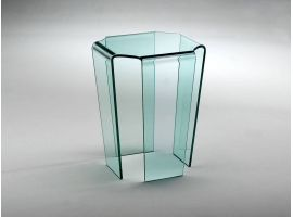 Coffee table in curved glass Tecla