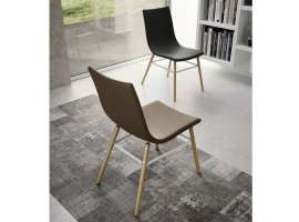 Offshore chair in wood and leatherette