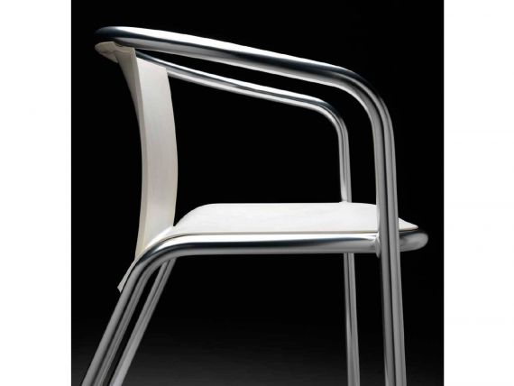 Chair with structure in aluminium Maré
