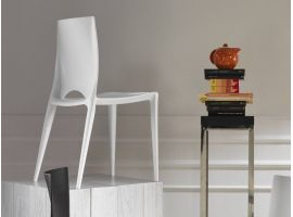 Chair in polypropylene Denise